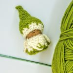 Snowdrop crochet gnome - free pattern