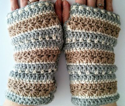 Free pattern for January sky crochet fingerless gloves