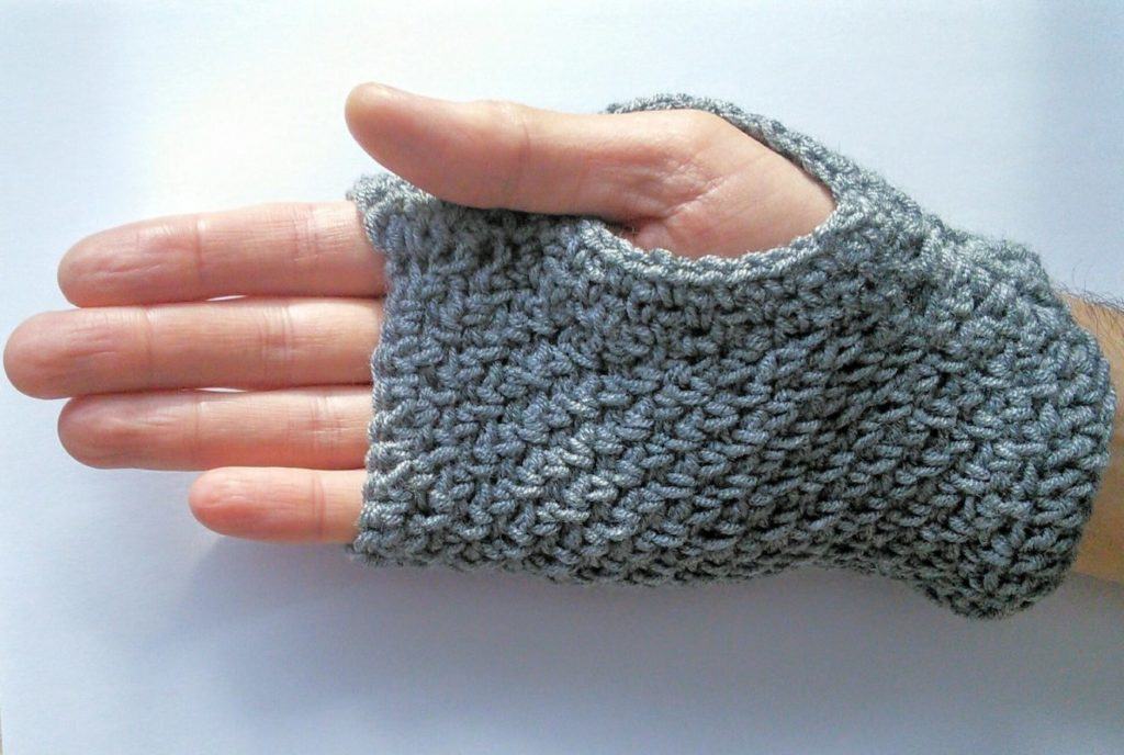 Free pattern crochet fingerless gloves for men