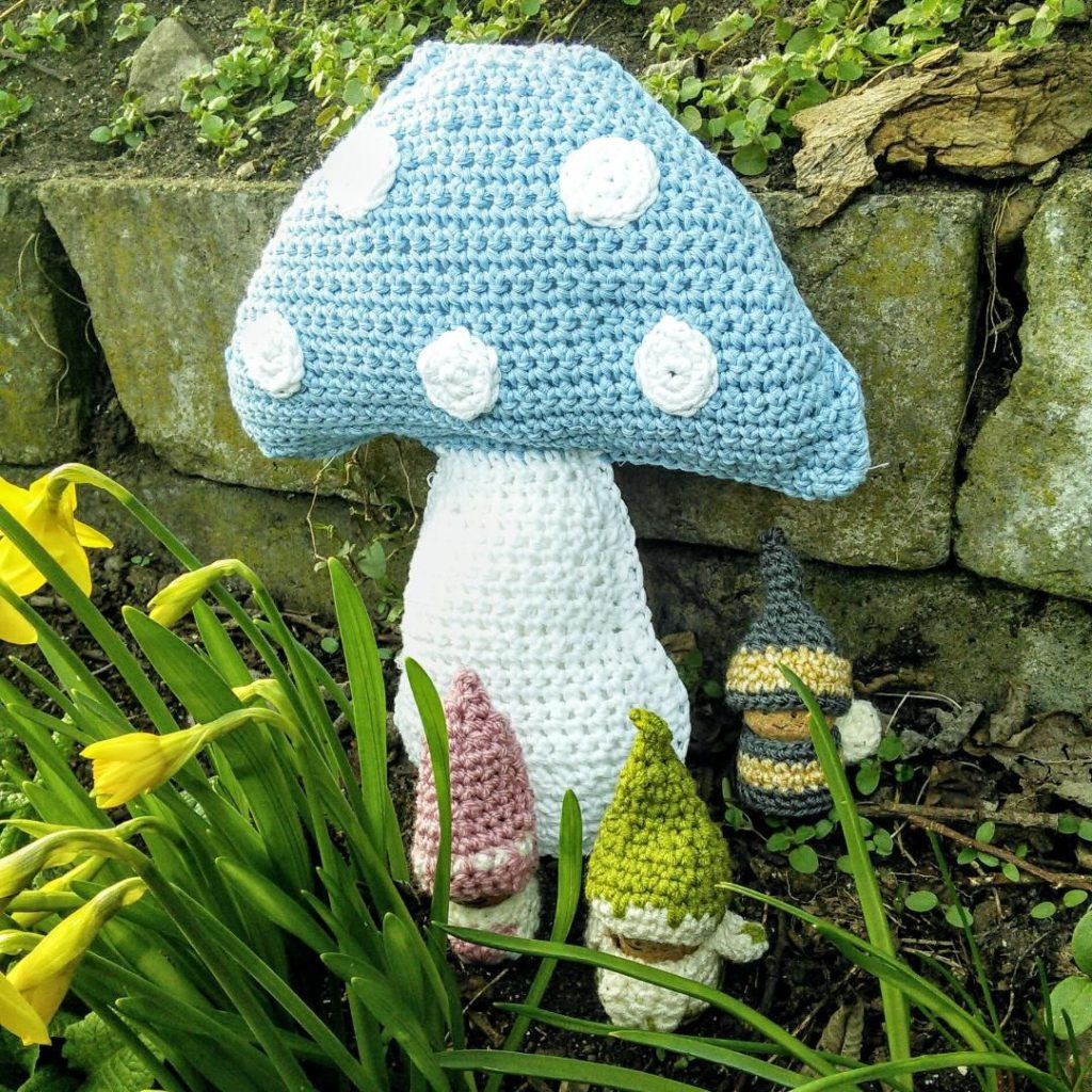 Crochet gnomes free patterns