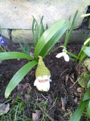 Free crochet pattern for snowdrop gnome