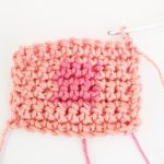 Step-by-step color change tutorial for intarsia crochet - Crochet Cloudberry