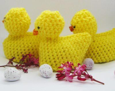 Free Crochet Pattern - Cream Egg Easter Chick