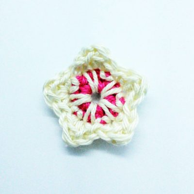 Easy crochet pattern for cherry blossom