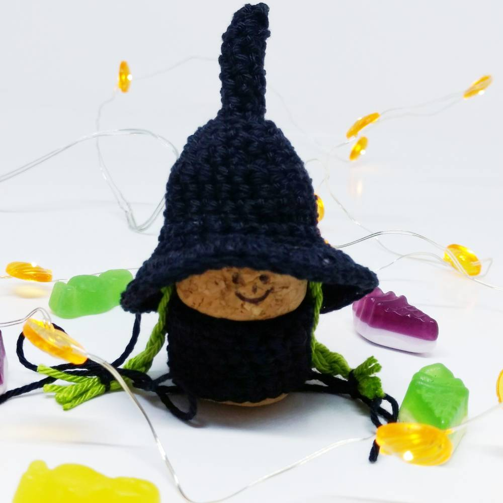 Crochet halloween gnome - Free crochet pattern