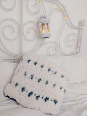 Snow Leopard Pillow - Free Crochet Pattern - Crochet Cloudberry