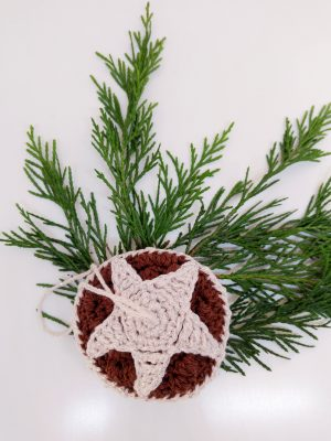 Crochet Mince Pie Bauble - Free Crochet Pattern - Crochet Cloudberry