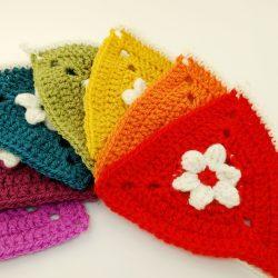 Rainbow bunting -free crochet pattern - crochet cloudberry
