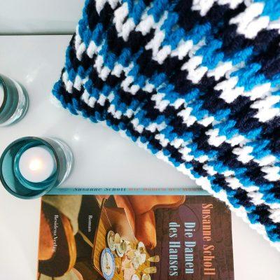 Free crochet cushion pattern with video crochet stitch tutorial