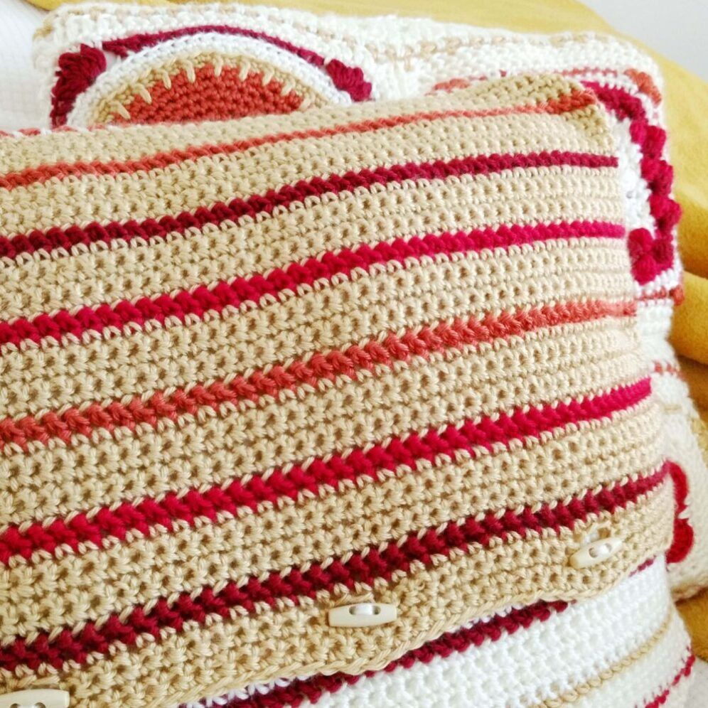 Fall in New England Cushion - free Crochet Pattern - Crochet Cloudberry