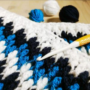 Free crochet cushion pattern with video crochet stitch tutorial