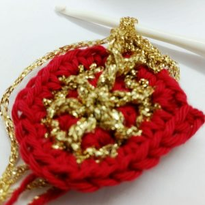 Quick crochet bauble - free crochet pattern - Crochet Cloudberry